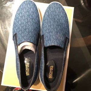 MICHAEL KORS slip on sneakers